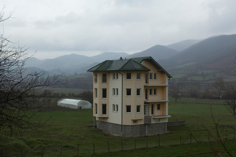 http://www.lux-fotografie.de/files/gimgs/th-10_007_Kosovo-6130.jpg