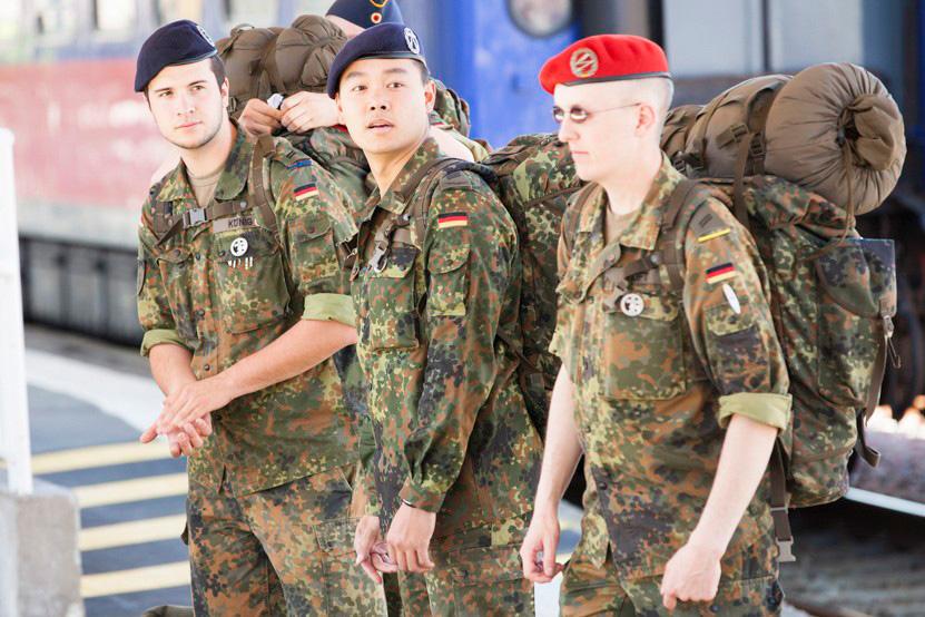 http://www.lux-fotografie.de/files/gimgs/th-8_03_Soldatenwallfahrt_Lourdes-9679.jpg