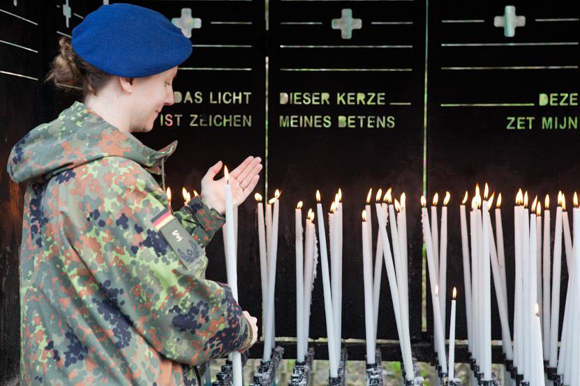 http://www.lux-fotografie.de/files/gimgs/th-8_05_Soldatenwallfahrt_Lourdes-7678.jpg