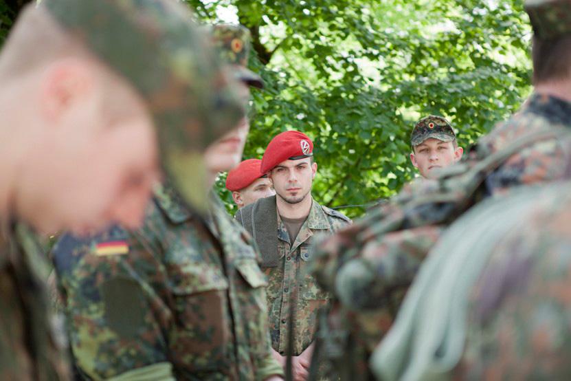 http://www.lux-fotografie.de/files/gimgs/th-8_11_Soldatenwallfahrt_Lourdes-0376.jpg