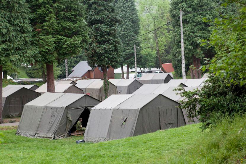http://www.lux-fotografie.de/files/gimgs/th-8_15_Soldatenwallfahrt_Lourdes-1088.jpg