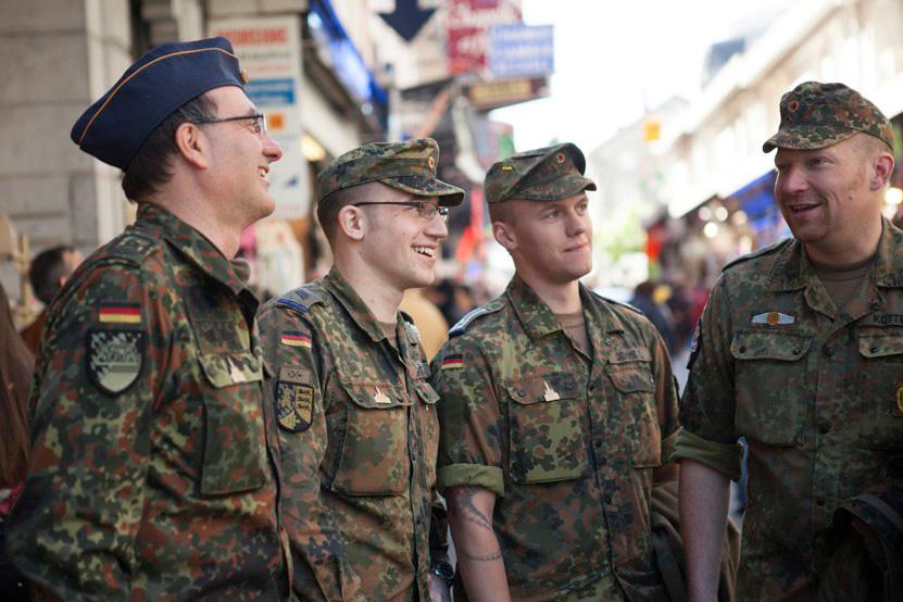 http://www.lux-fotografie.de/files/gimgs/th-8_19_Soldatenwallfahrt_Lourdes-7841.jpg