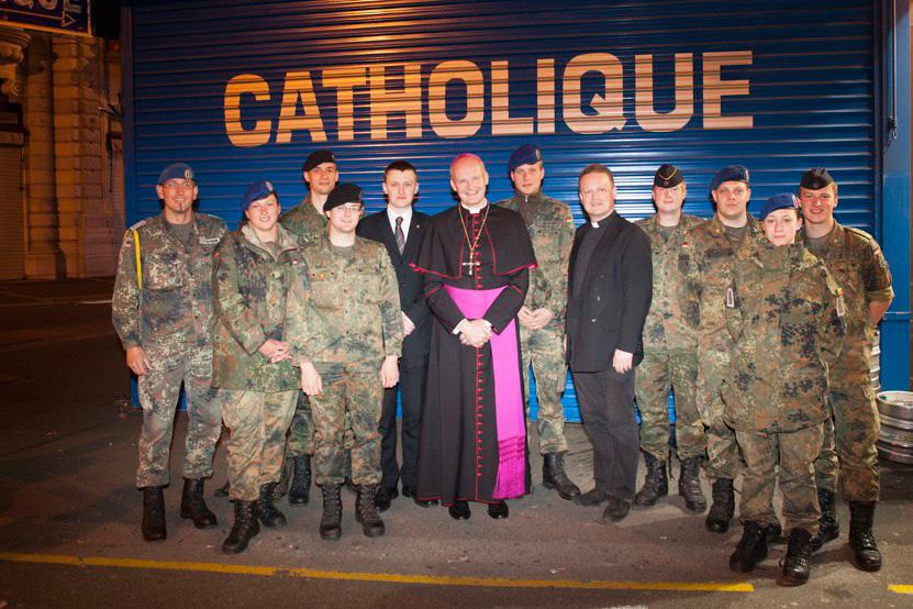 http://www.lux-fotografie.de/files/gimgs/th-8_26_Soldatenwallfahrt_Lourdes-7974.jpg